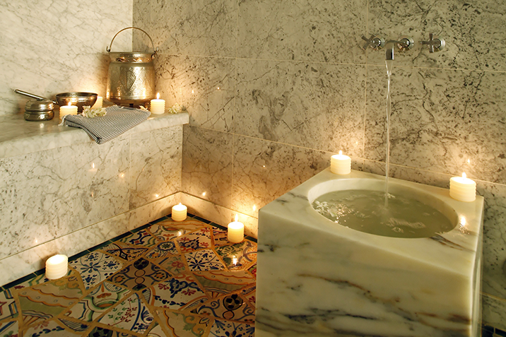 Superieur We Evolve In The Private Area Ofthe Hammam Between The Intense Heat And The  Times Of Care Or We Are Rocked By The Application Of Black Soap Followed By  A ...